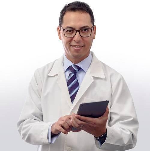 Dr. Eduardo Serizawua